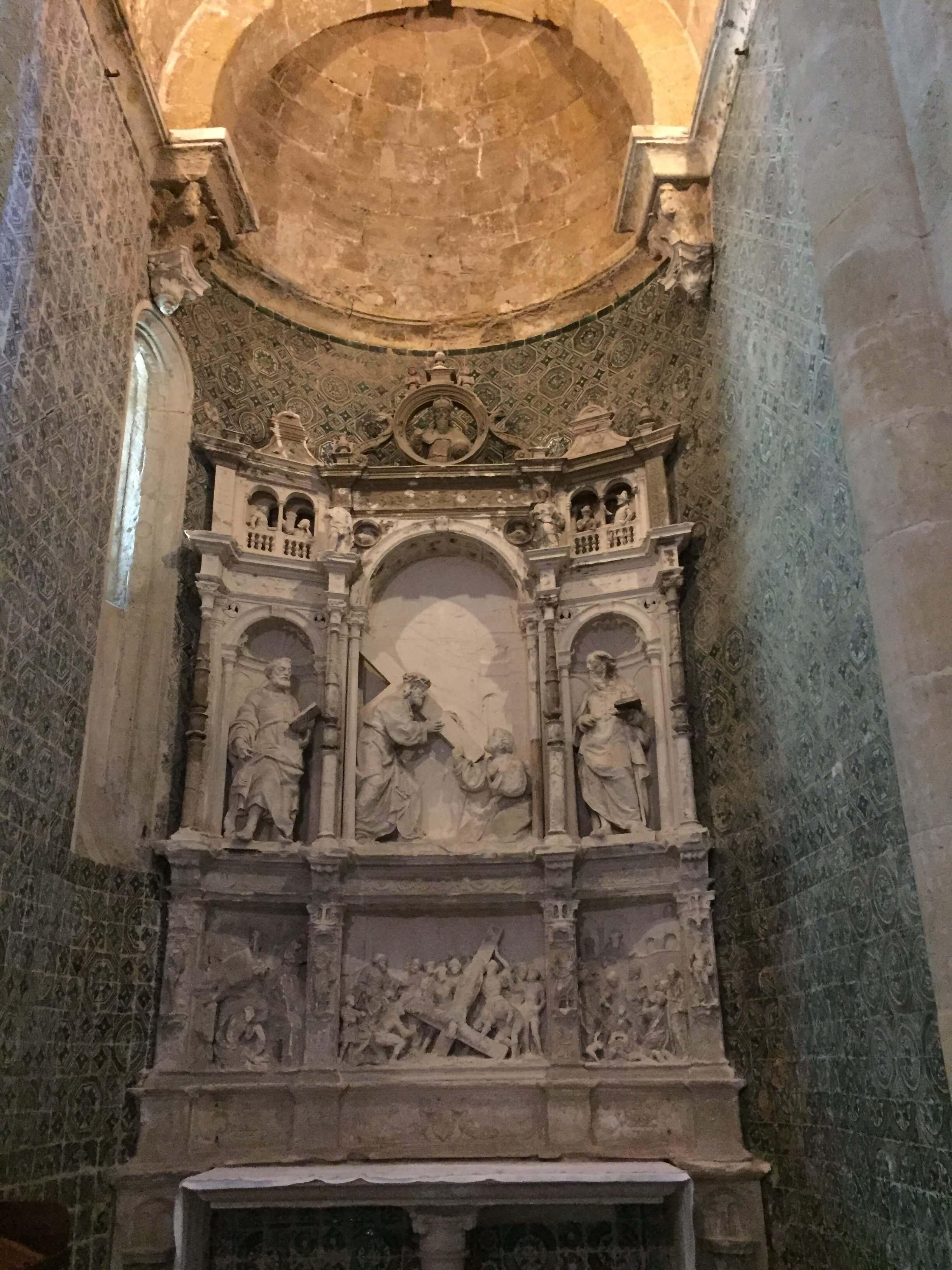 Rondreizen Portugal Coimbra Sé Velha binnenzijde 2