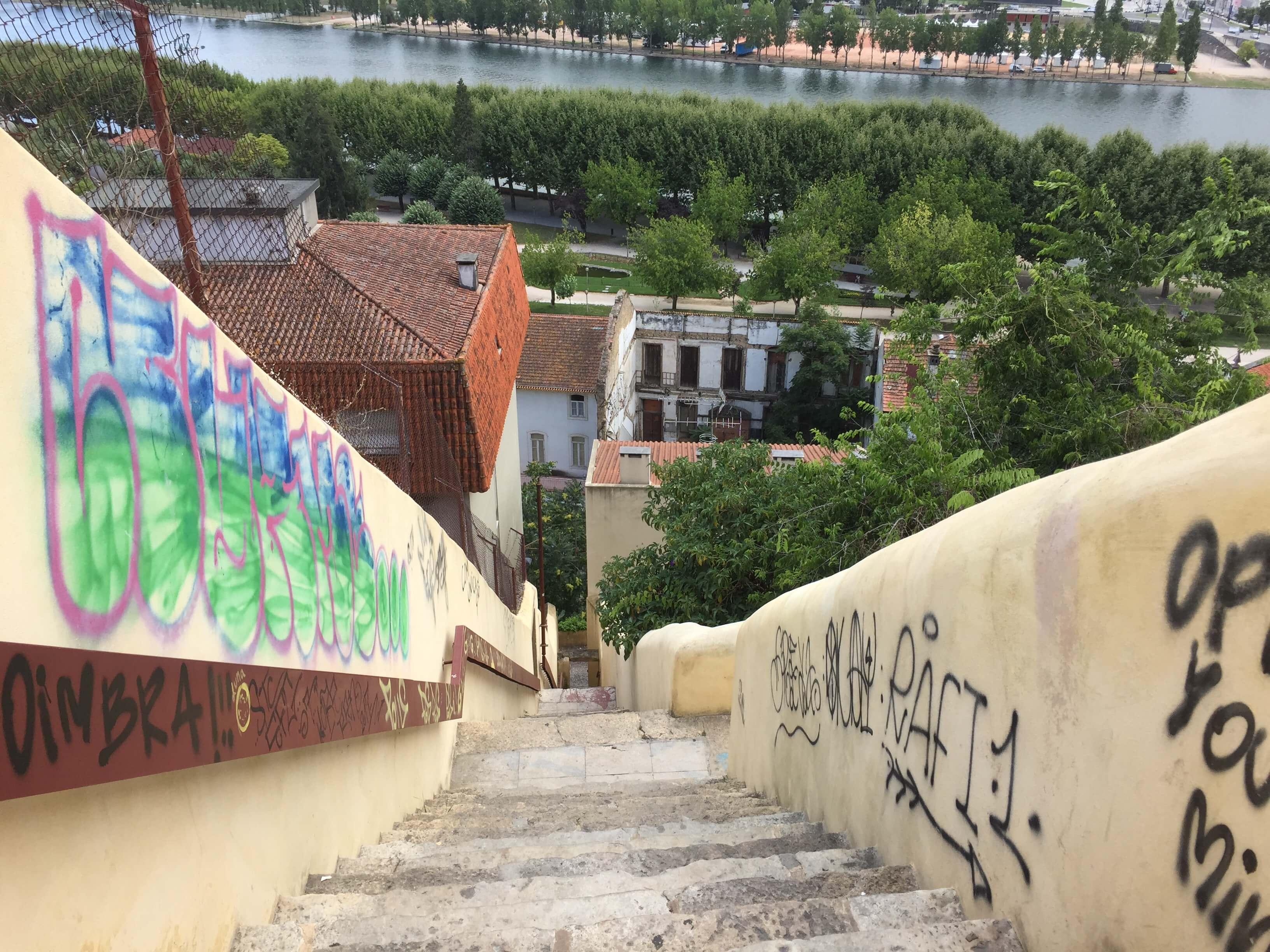 Rondreizen Portugal Coimbra grafiti