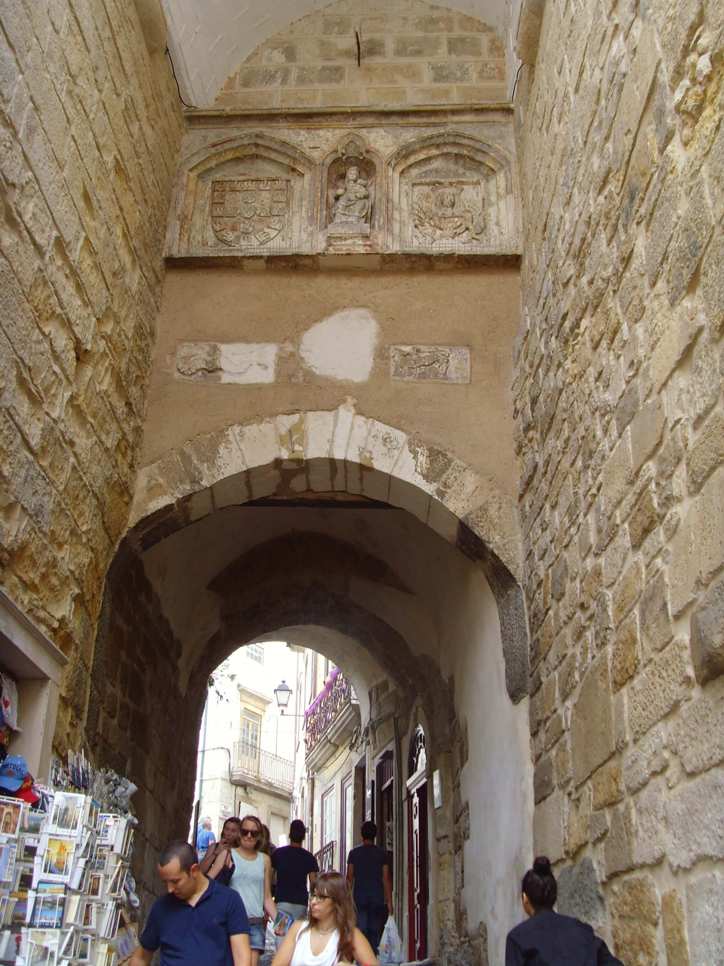 Rondreizen Portugal Coimbra straatje binnenstad