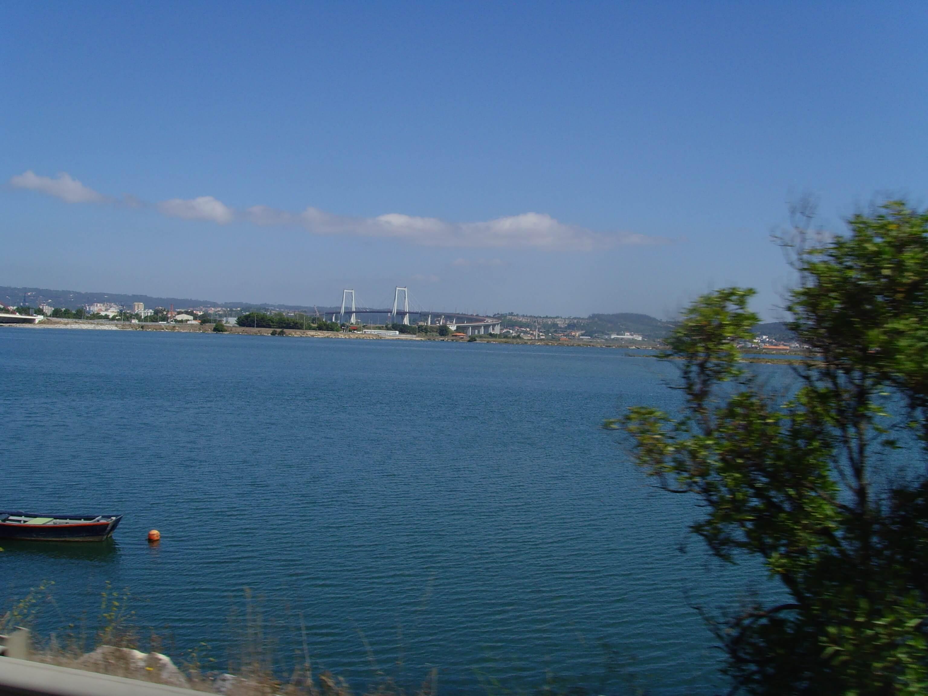 Rondreizen Portugal Lissabon uitzicht brug