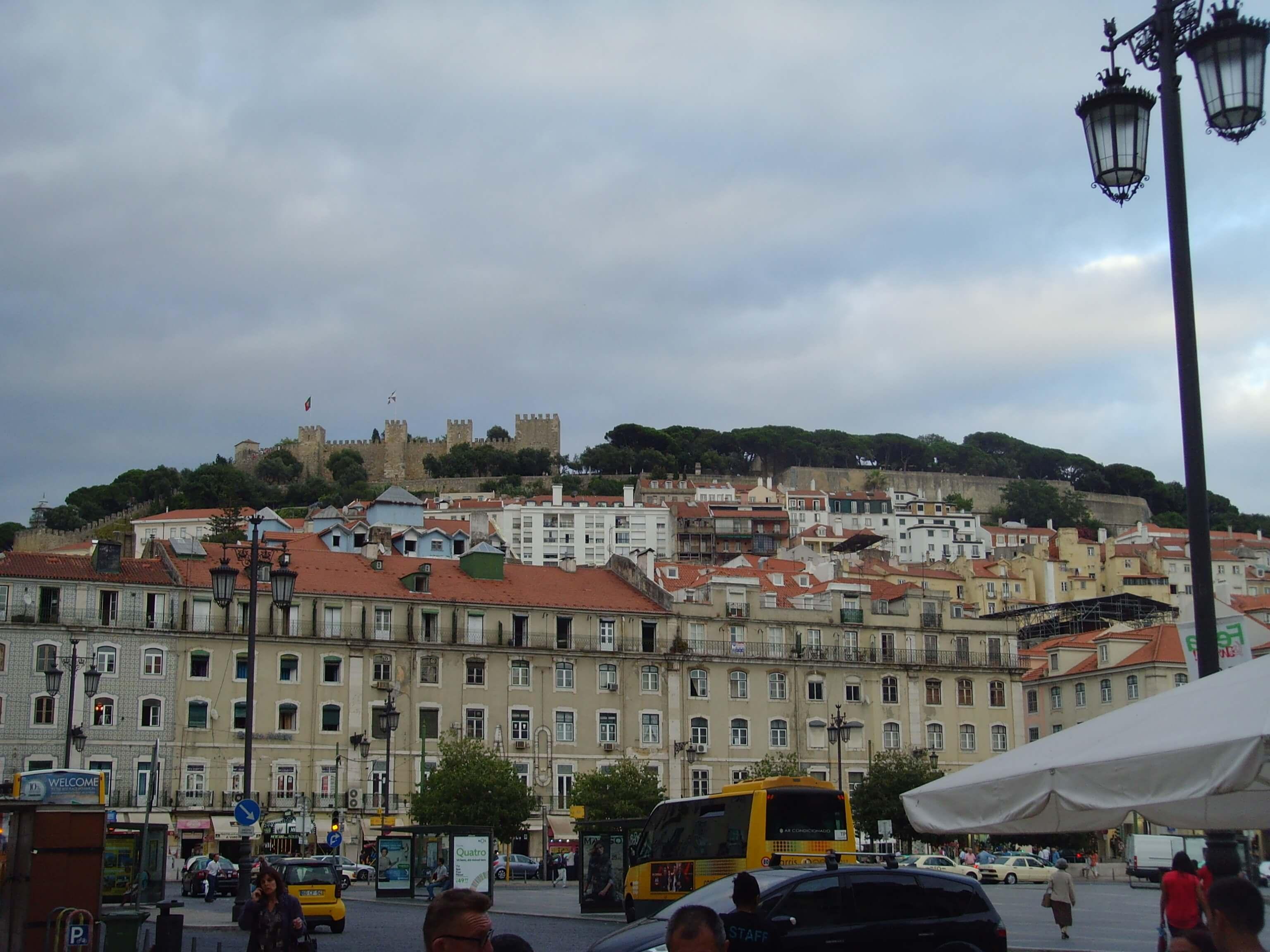 Rondreizen Portugal Lissabon uitzicht kasteel