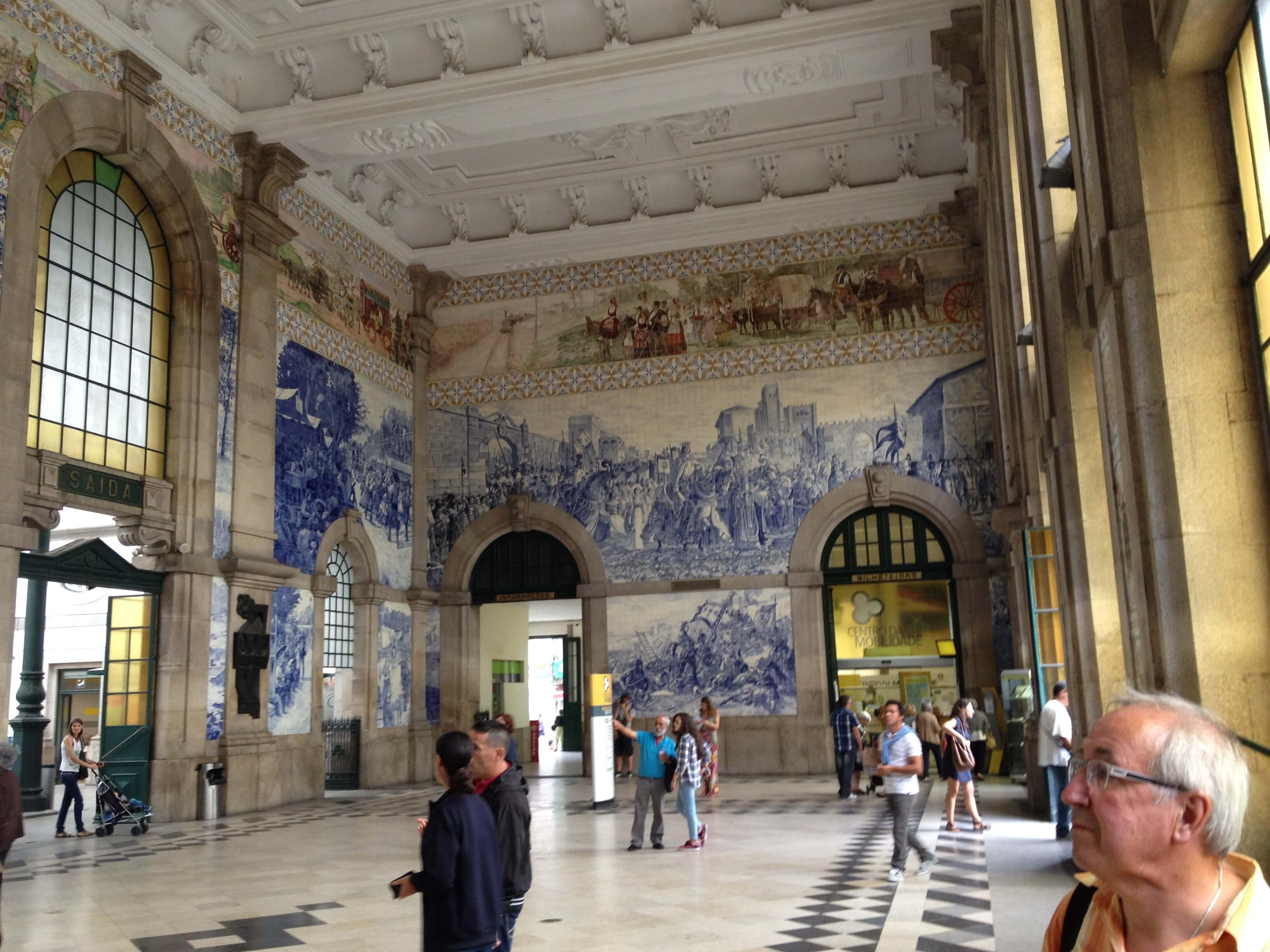 Rondreizen Portugal Porto station