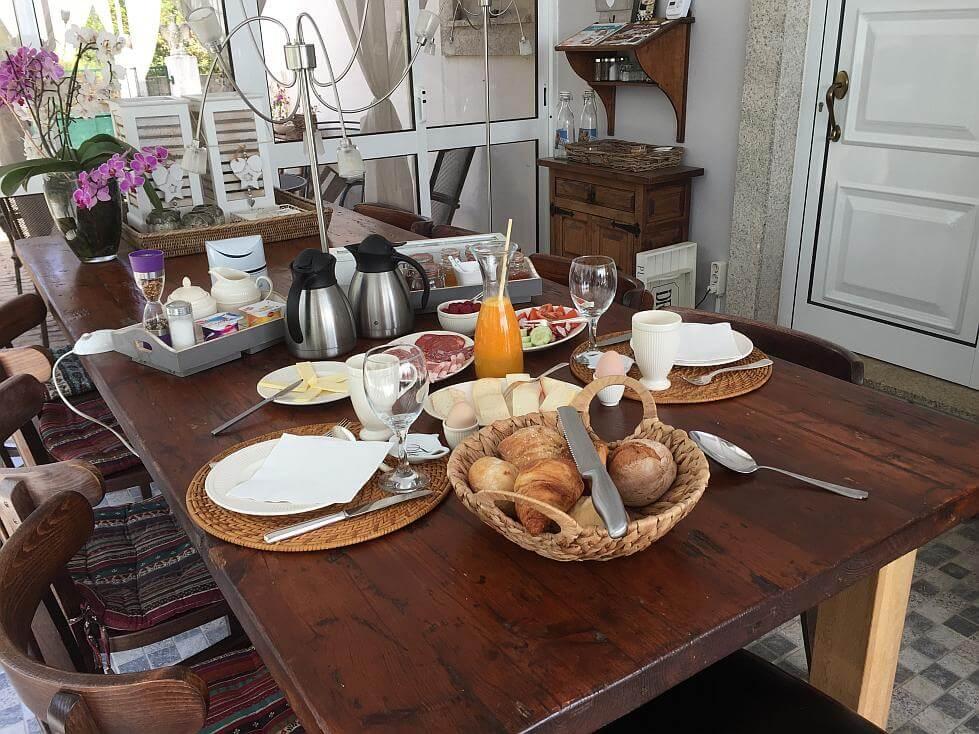 Ontbijt bij B&B Casa Traca in Arganil Centraal Portugal