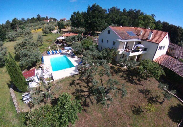 Porturama dronefoto huis en zwembad 768x533 2
